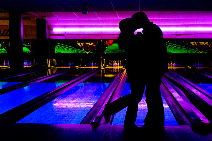 bowlers dating He's been spotted at numerous alleys over the years, dating back to  these are  just a few of the many celebrities who enjoy a spot of bowling.